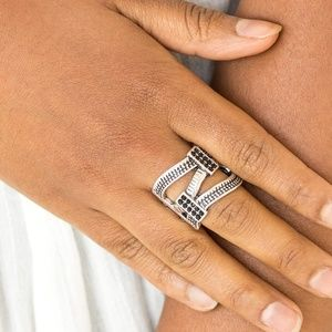 Urban Upscale - Black Stretchy Ring
